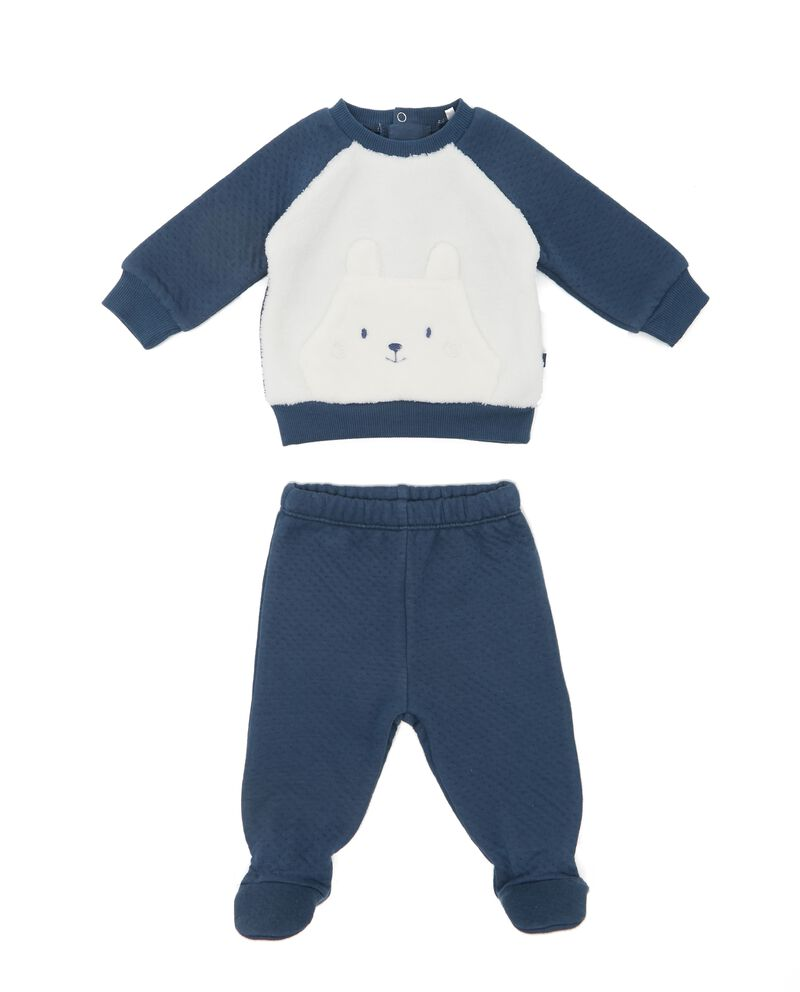 Completo con pantaloni e maglia