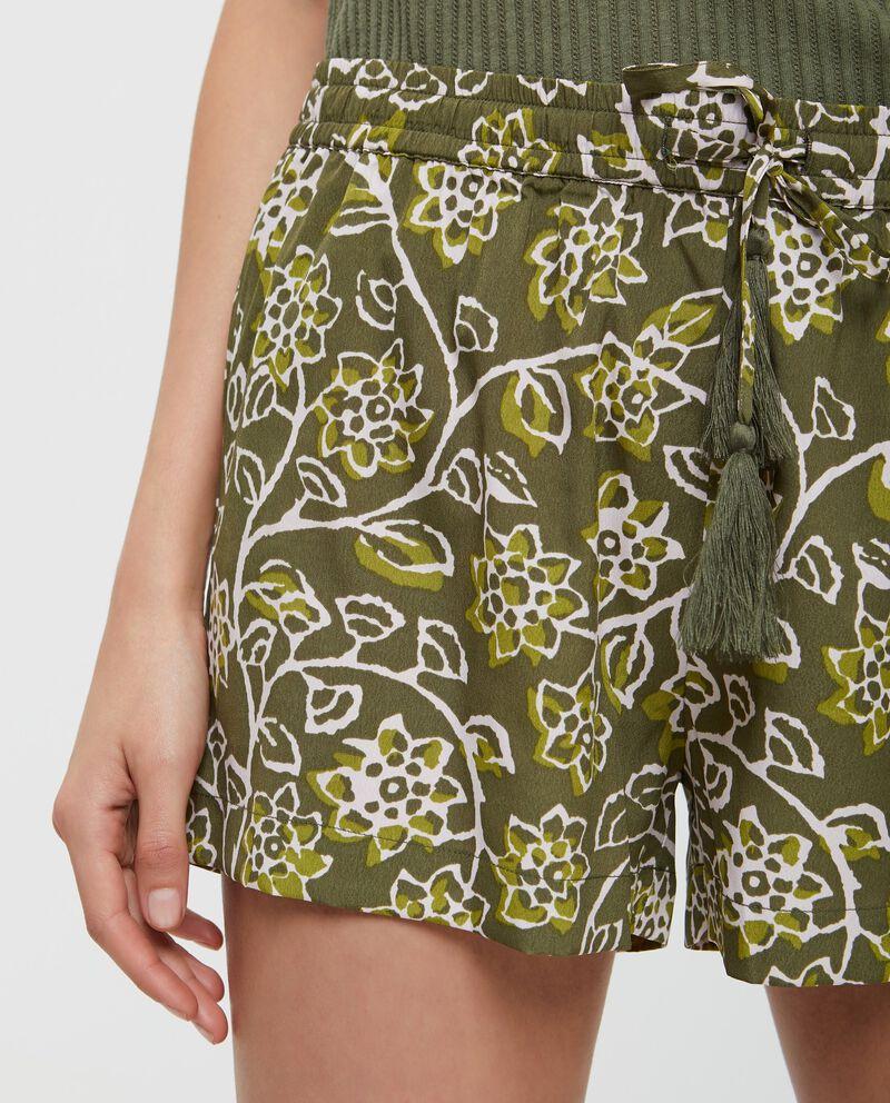Pantaloncini con fantasia floreale donna
