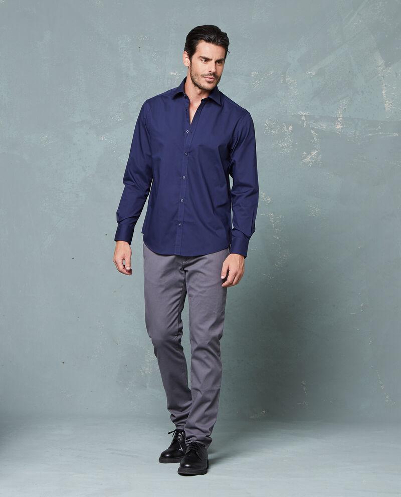 Camicia tinta unita con colletto classico