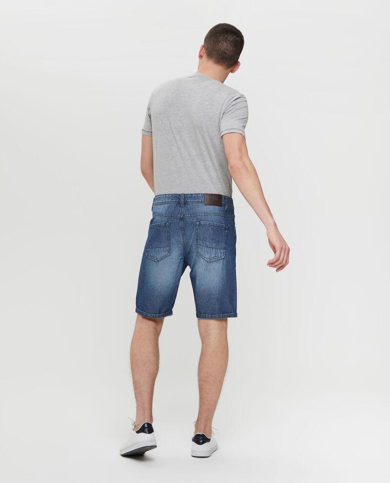 Shorts in denim con cinque tasche