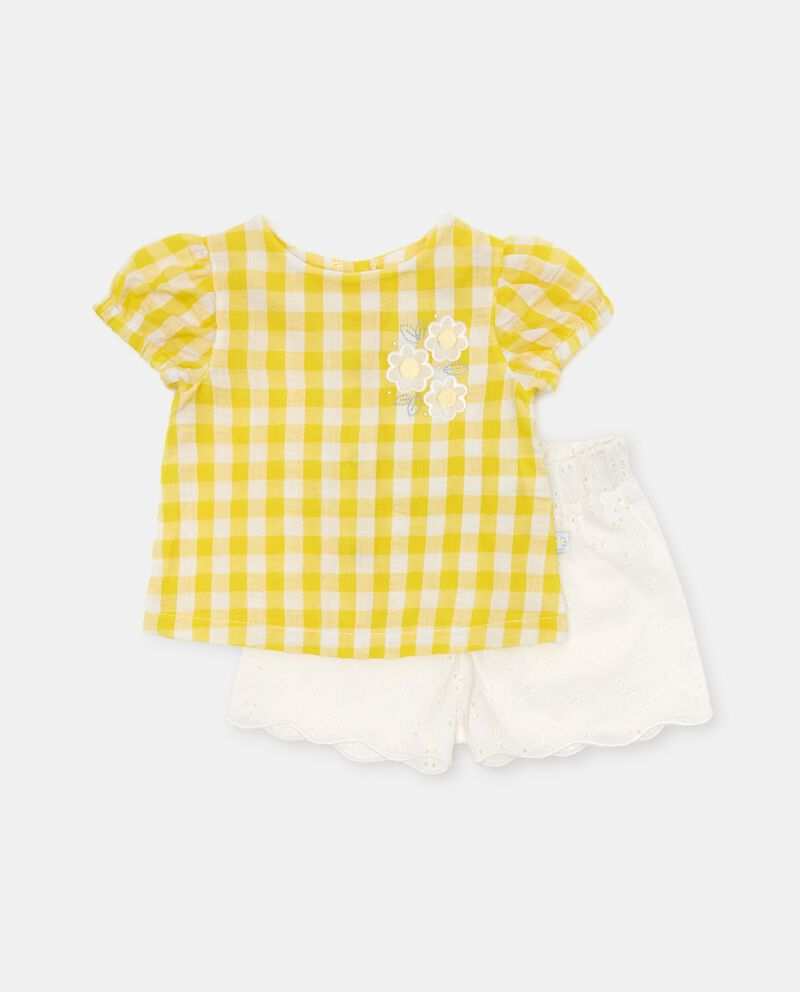 Completo con maglia e shorts in cotone cover