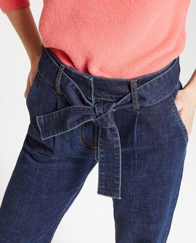 Jeans cropped donna con cintura in tessuto