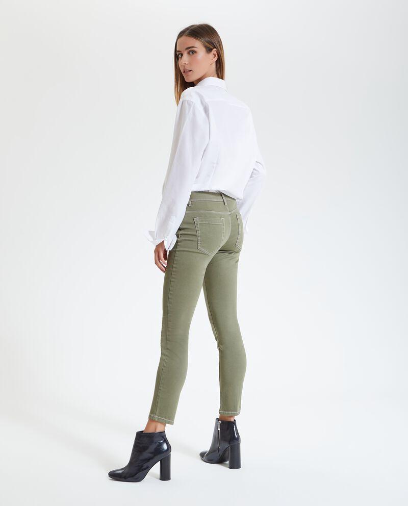Pantaloni con cuciture a vista donna