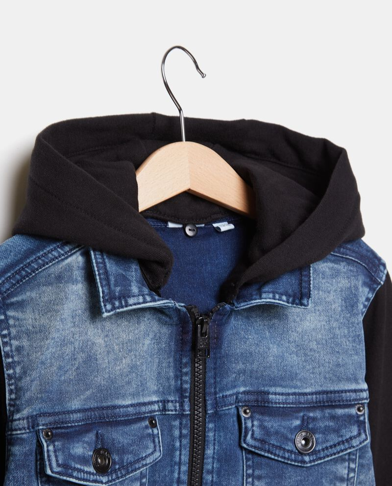 Camicia in denim con maniche lunghe e cappuccio in tessuto ragazzo single tile 1