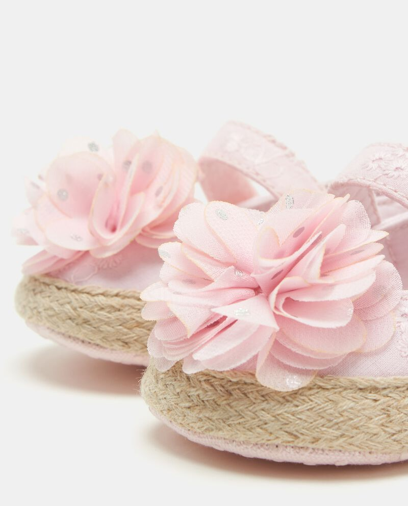 Scarpine crochet con fiore neonata