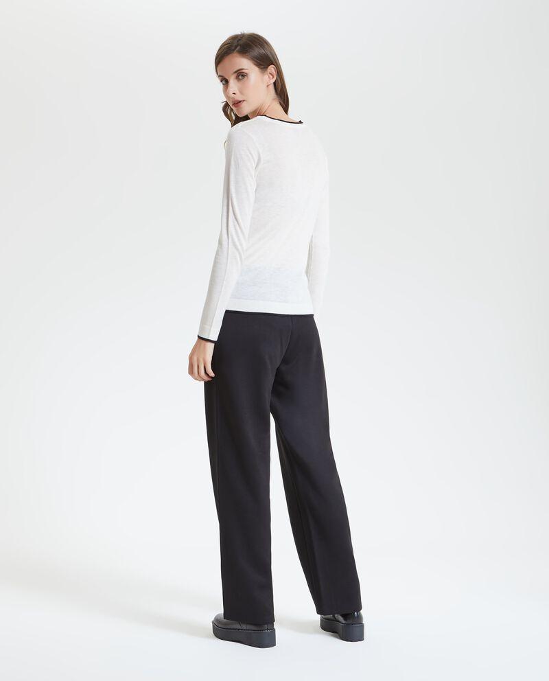 Maglione con profili donna