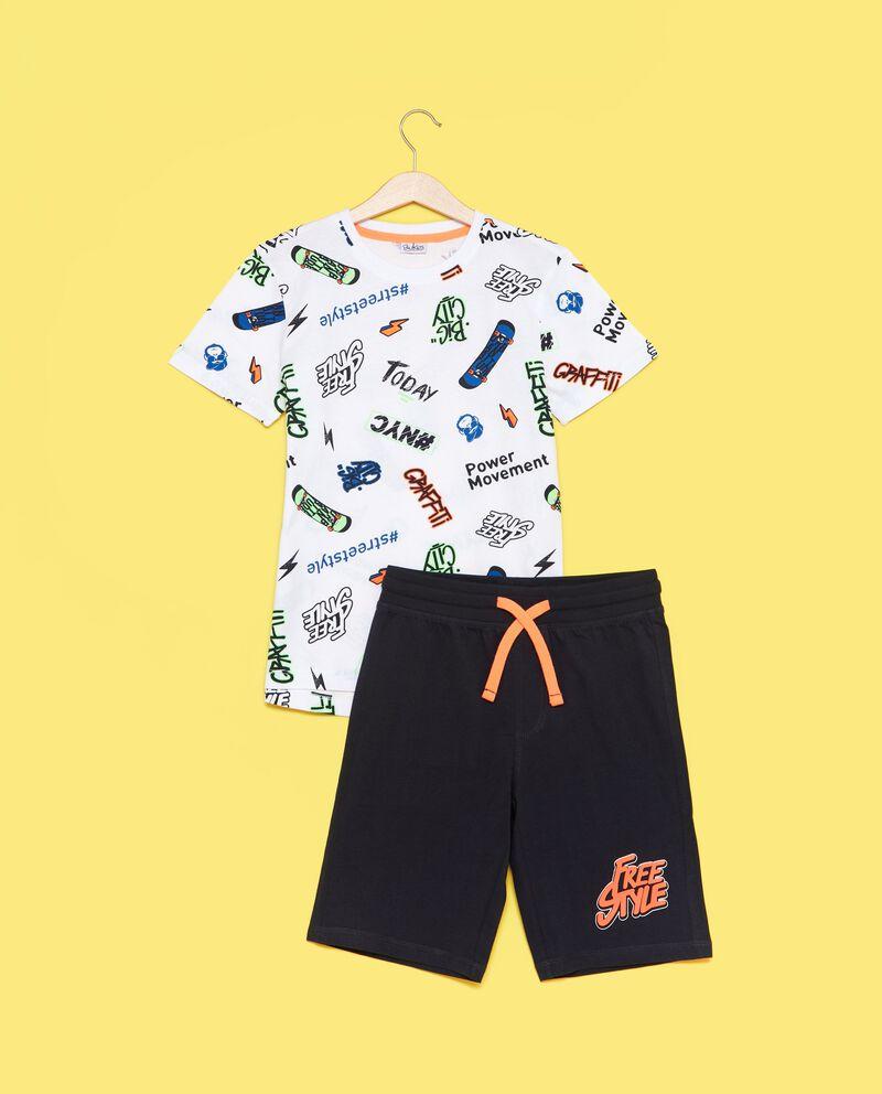 Set t-shirt fantasia e shorts tinta unita ragazzo