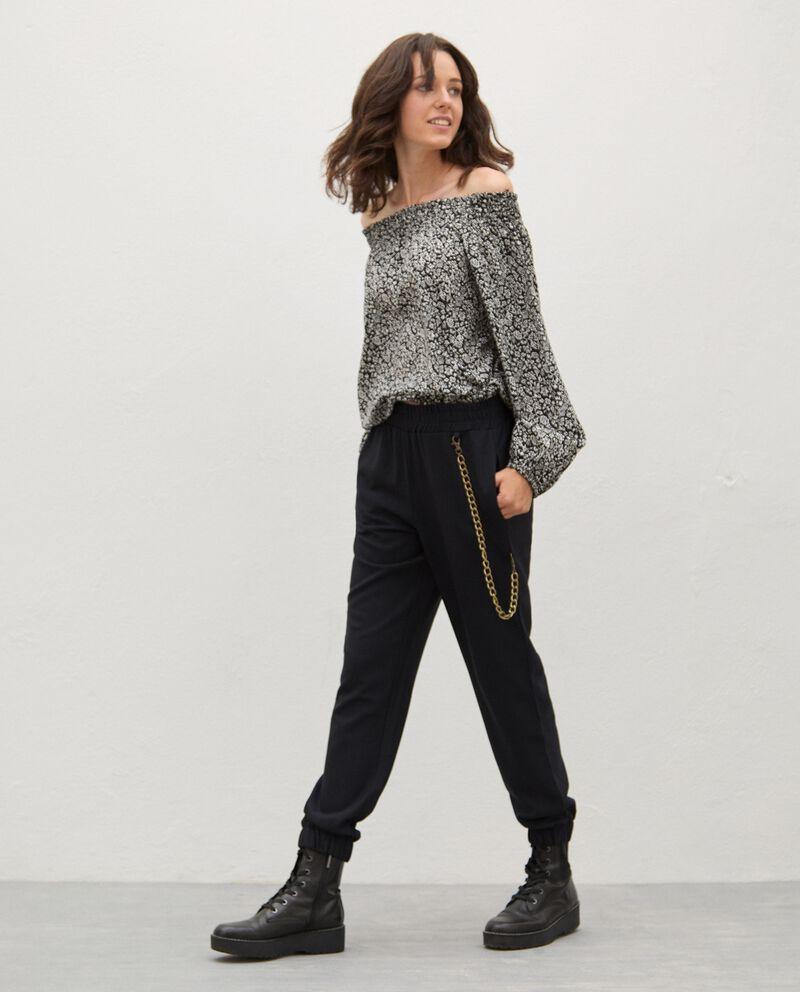 Pantaloni con catena donna cover