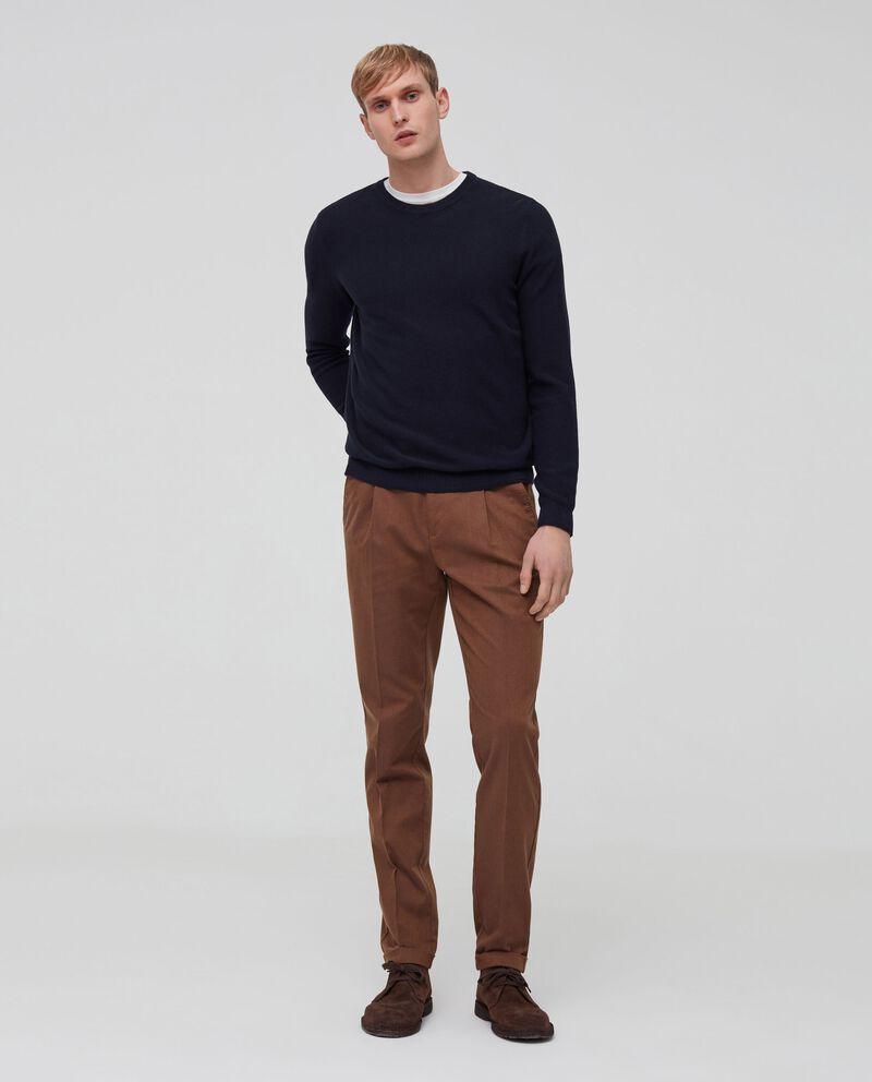 Pantaloni con pinces tinta unita