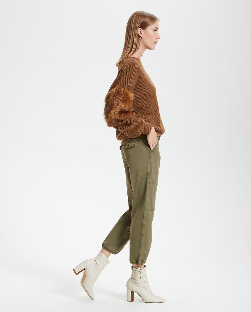 Pantalone con elastici