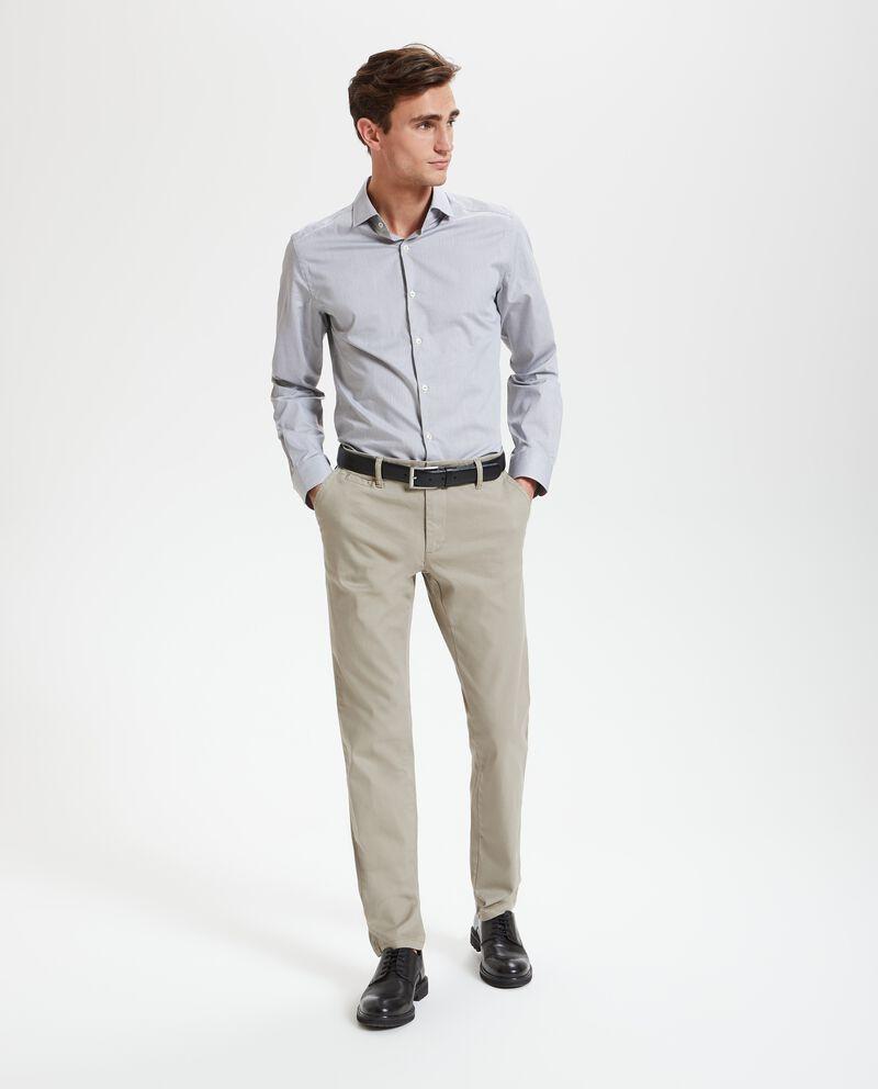 Pantaloni chino con taschino