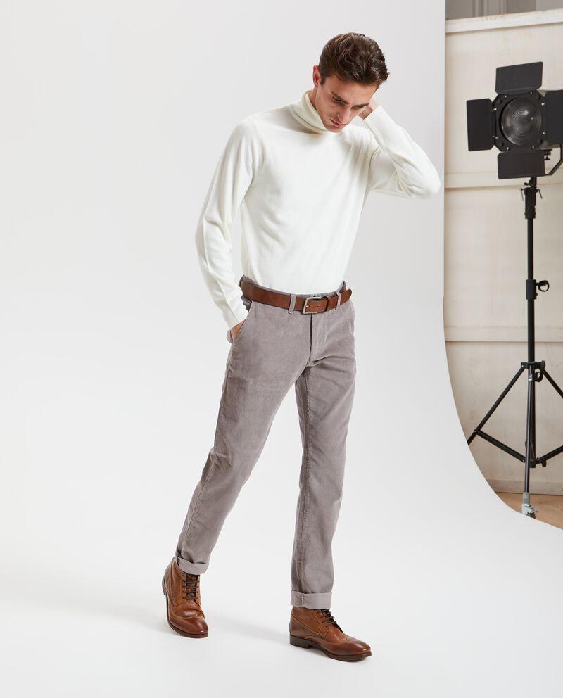 Pantaloni chino con effetto velluto