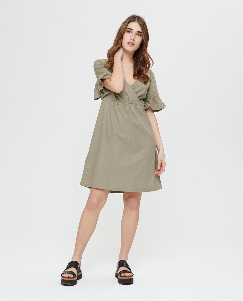Vestito in lino e cotone verde a maniche corte incrociato