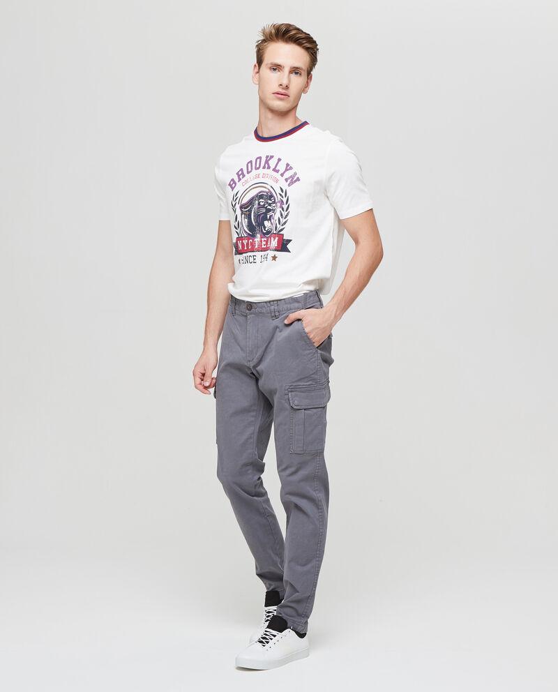 Pantaloni stretch con tasche laterali