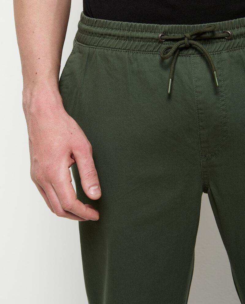 Pantaloni in puro cotone con coulisse uomo single tile 2