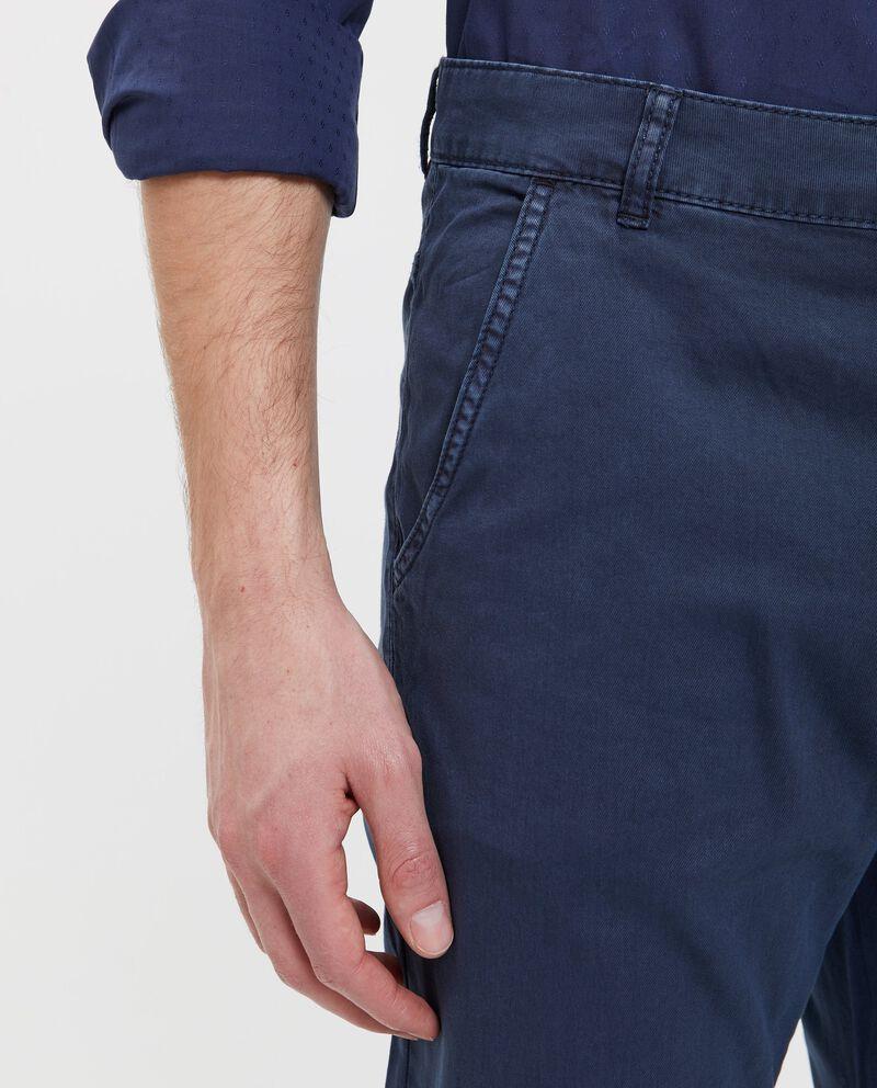 Pantaloni in puro cotone blu tinta unita uomo