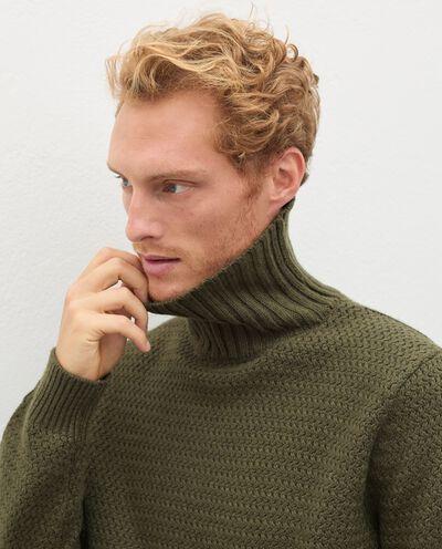 Maglione a collo alto in lana misto cashmere uomo detail 2