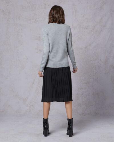 Pullover tricot stretch con ricami