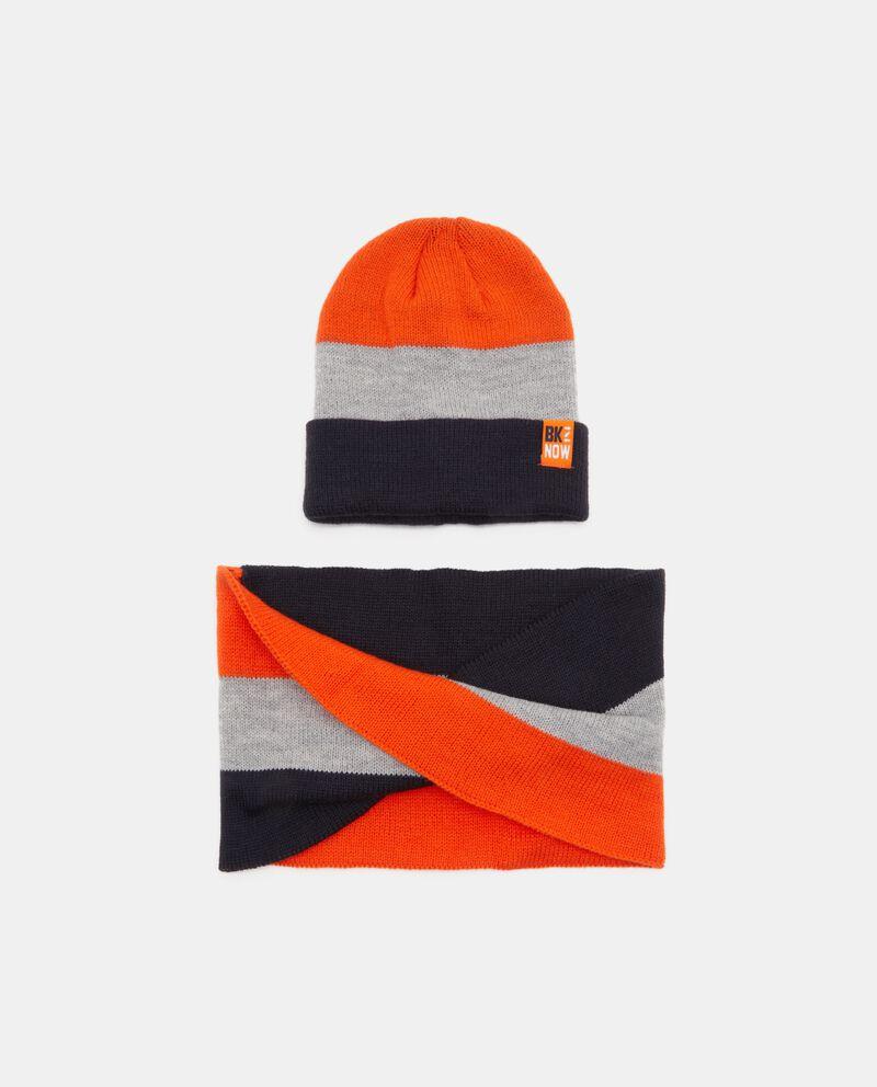 Cappello e scaldacollo con motivo a righe
