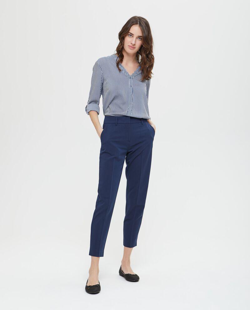 Pantaloni formali tinta unita con piega
