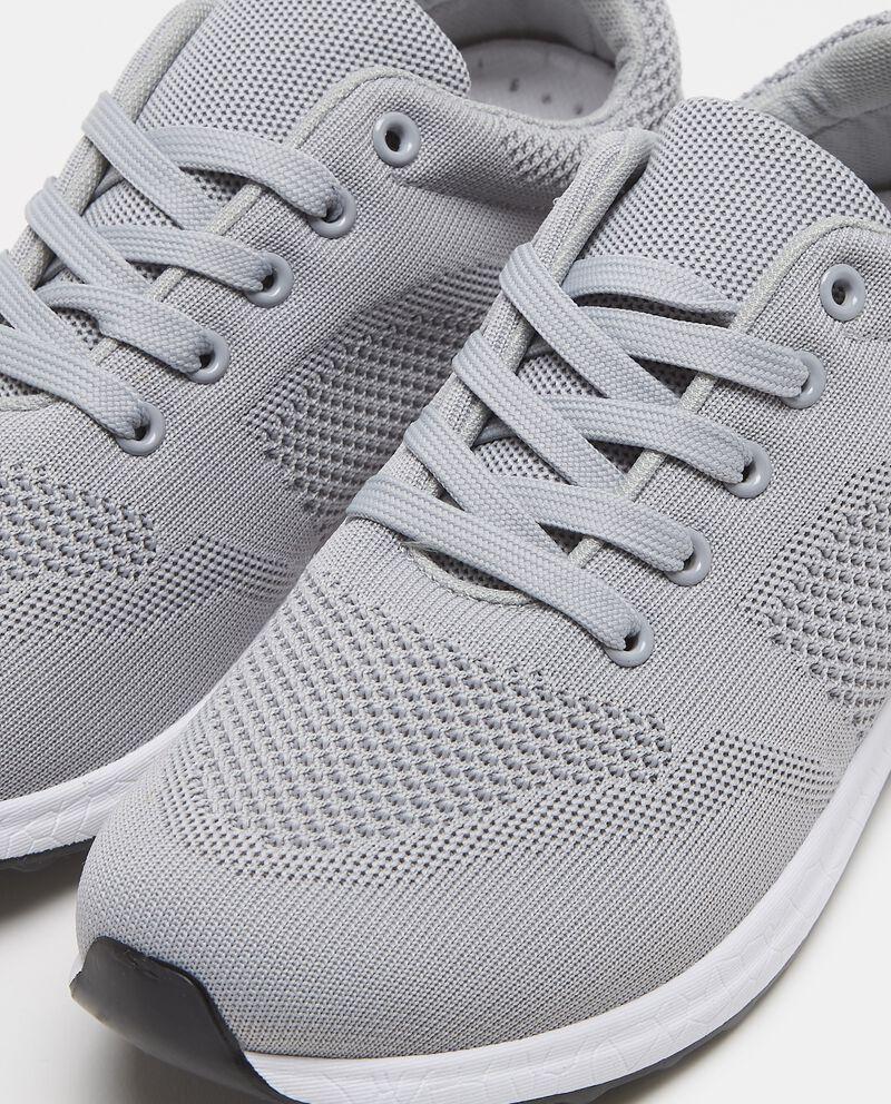 Sneakers con lavorazioni in tessuto