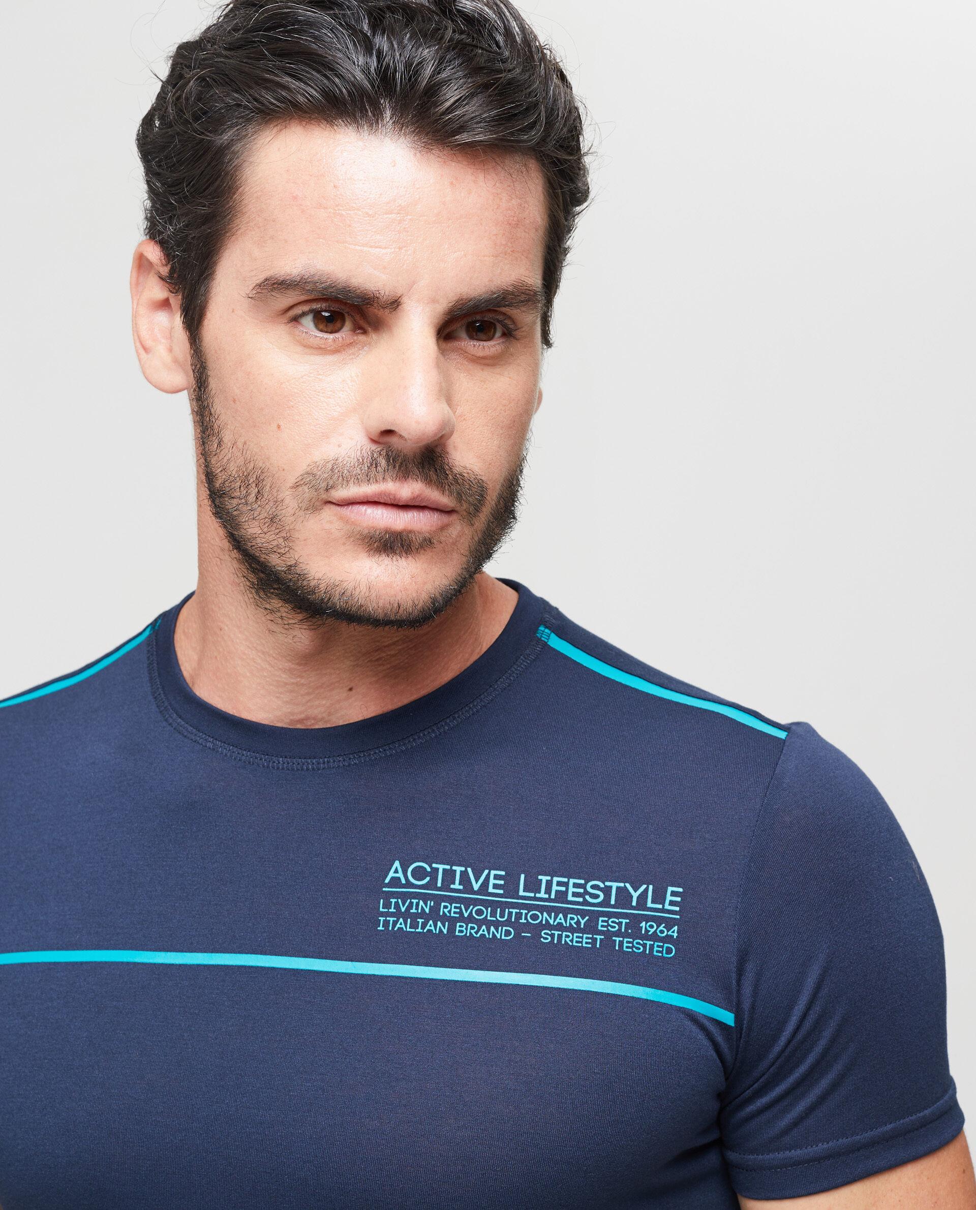 T-shirt sportiva tinta unita stampa