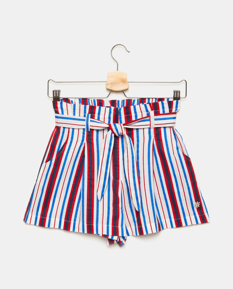 Shorts con motivo a righe