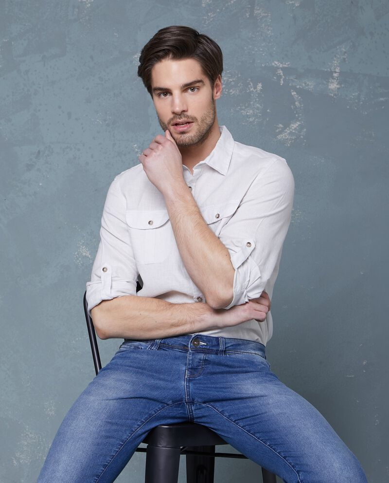 Camicia in puro lino bianca con tasche applicate uomo