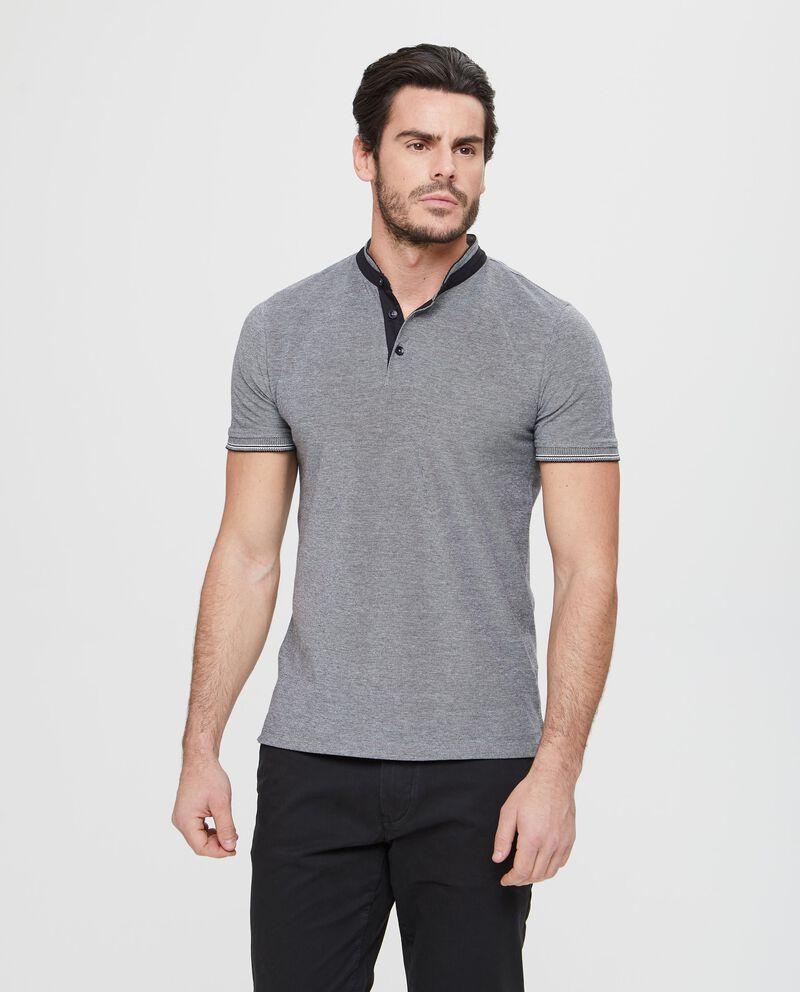 T-shirt maniche corte e collo a cinturino