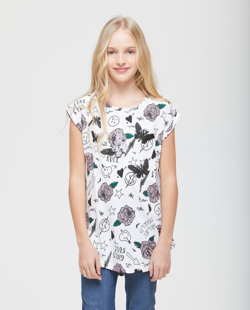 T-shirt over fantasia smiley e fiori