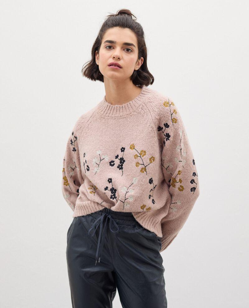 Maglia tricot con ricami floreali donna cover