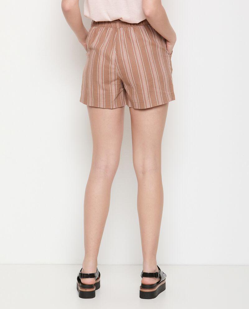 Pantaloncini rigati in misto lino donna