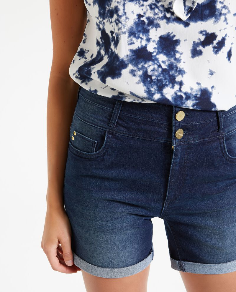 Shorts con bottoni donna