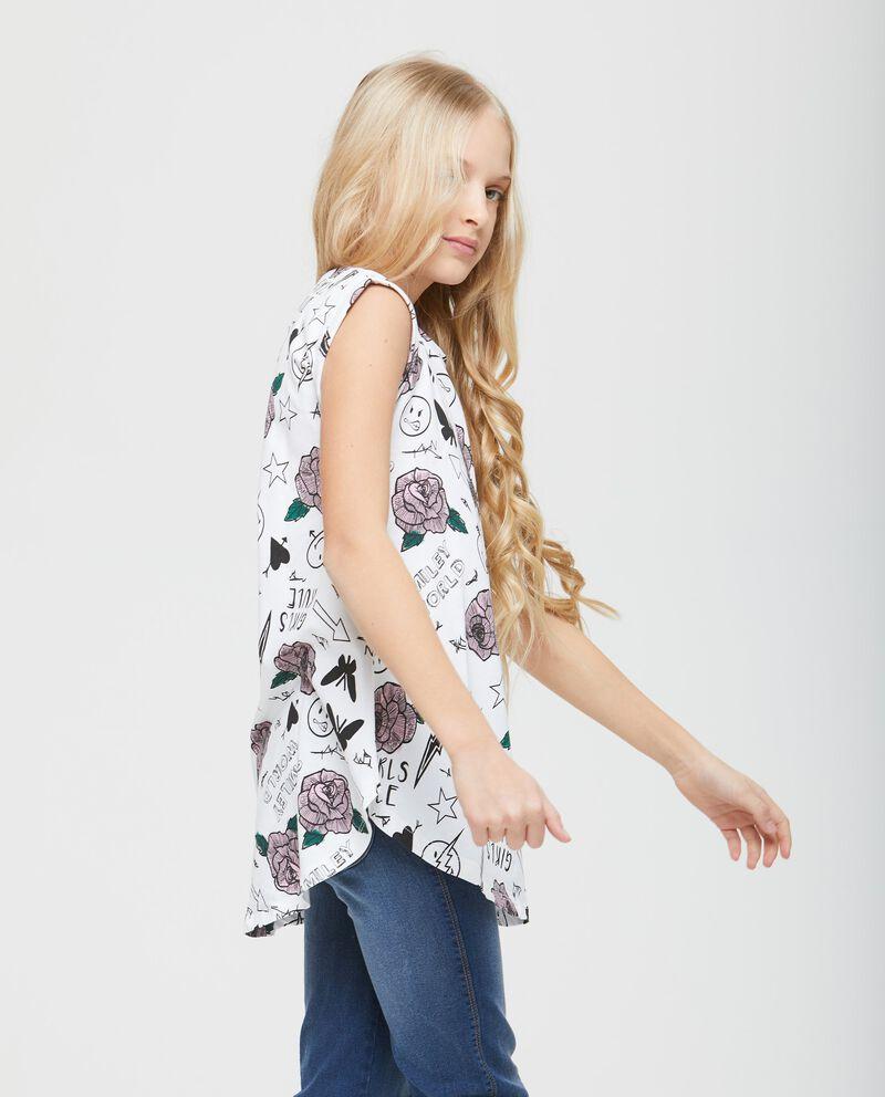 T-shirt over fantasia smiley e fiori