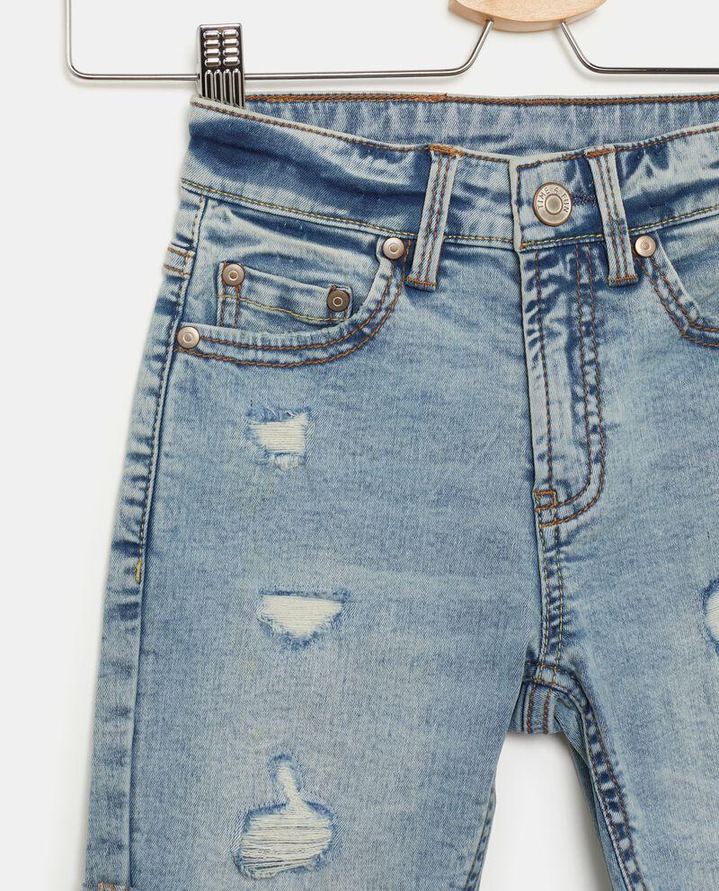 Shorts con strappi in jeans bambino single tile 1