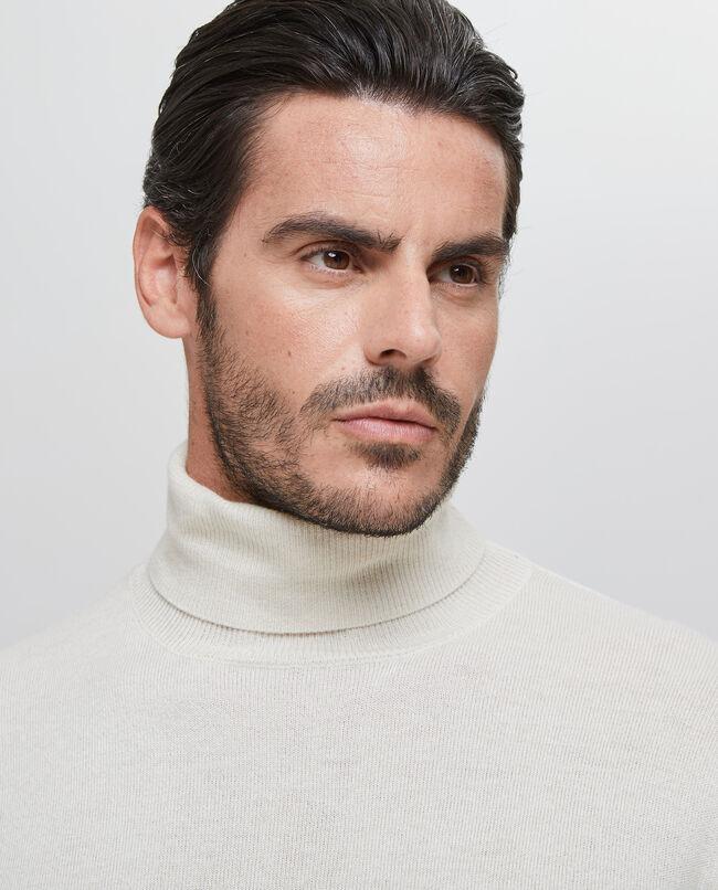 Maglia con collo alto uomo