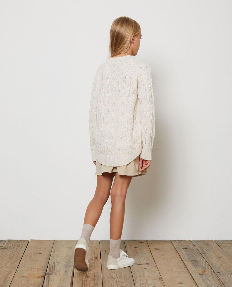 Pullover tricot con trecce tinta unita