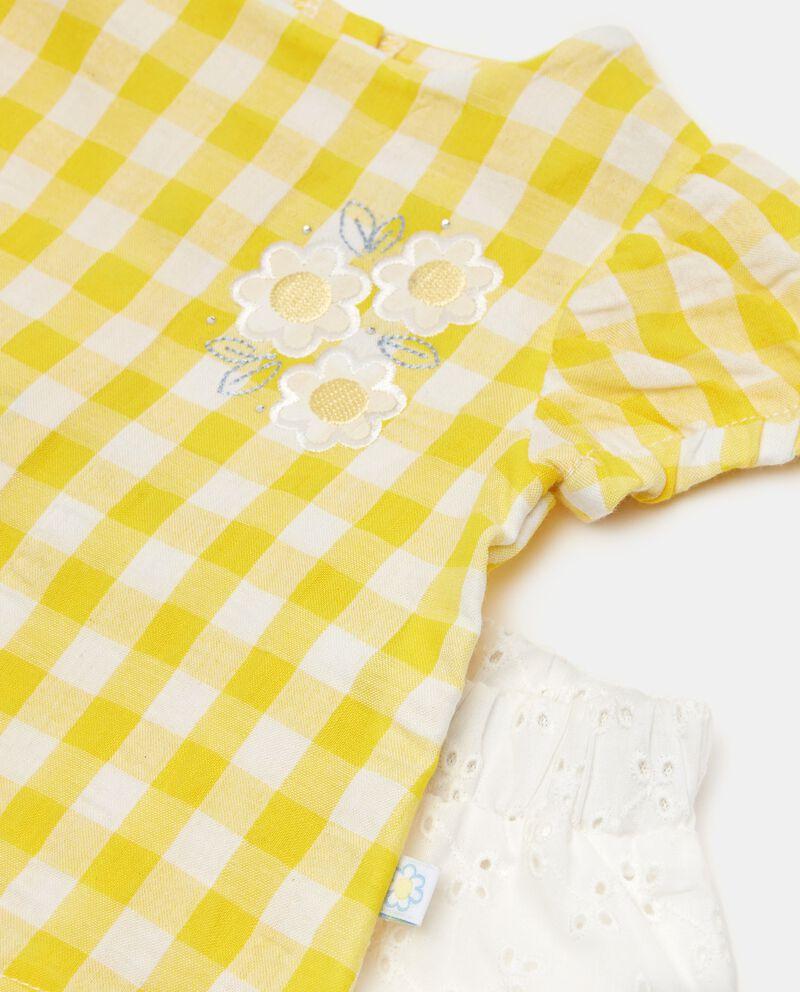 Completo con maglia e shorts in cotone single tile 1