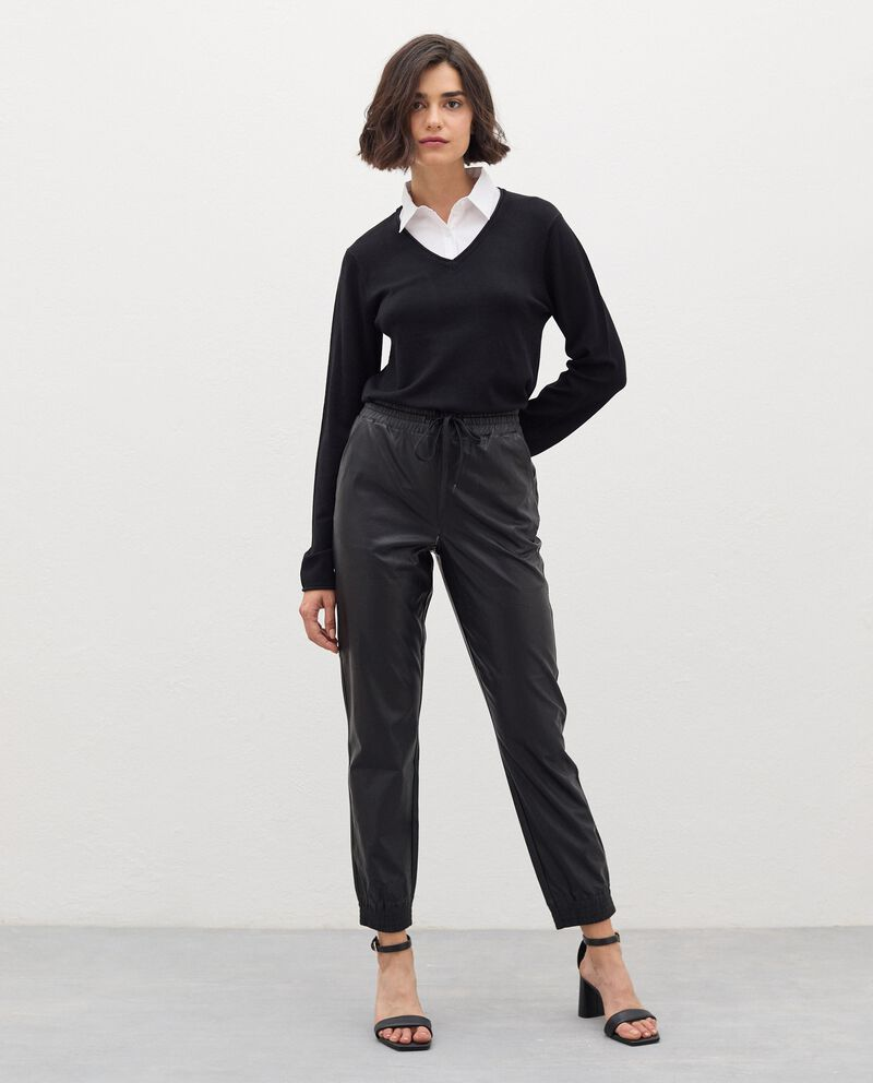 Pantaloni in eco pelle con coulisse donna cover
