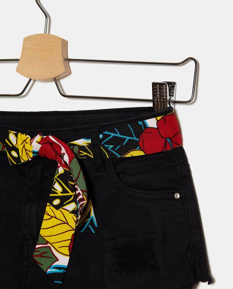 Shorts denim in cotone stretch con strappi ragazza single tile 1