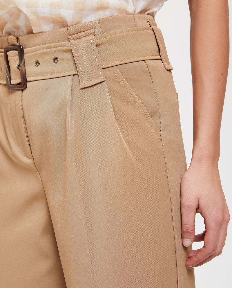 Pantaloni palazzo con piega centrale
