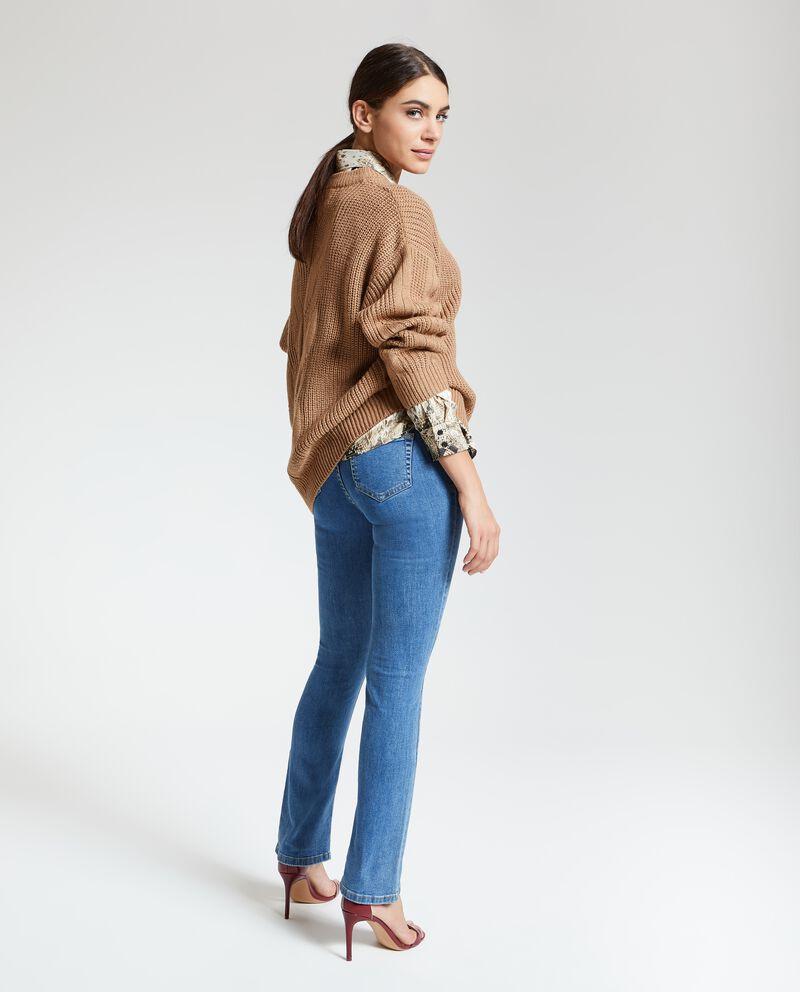 Jeans con chiusura con zip