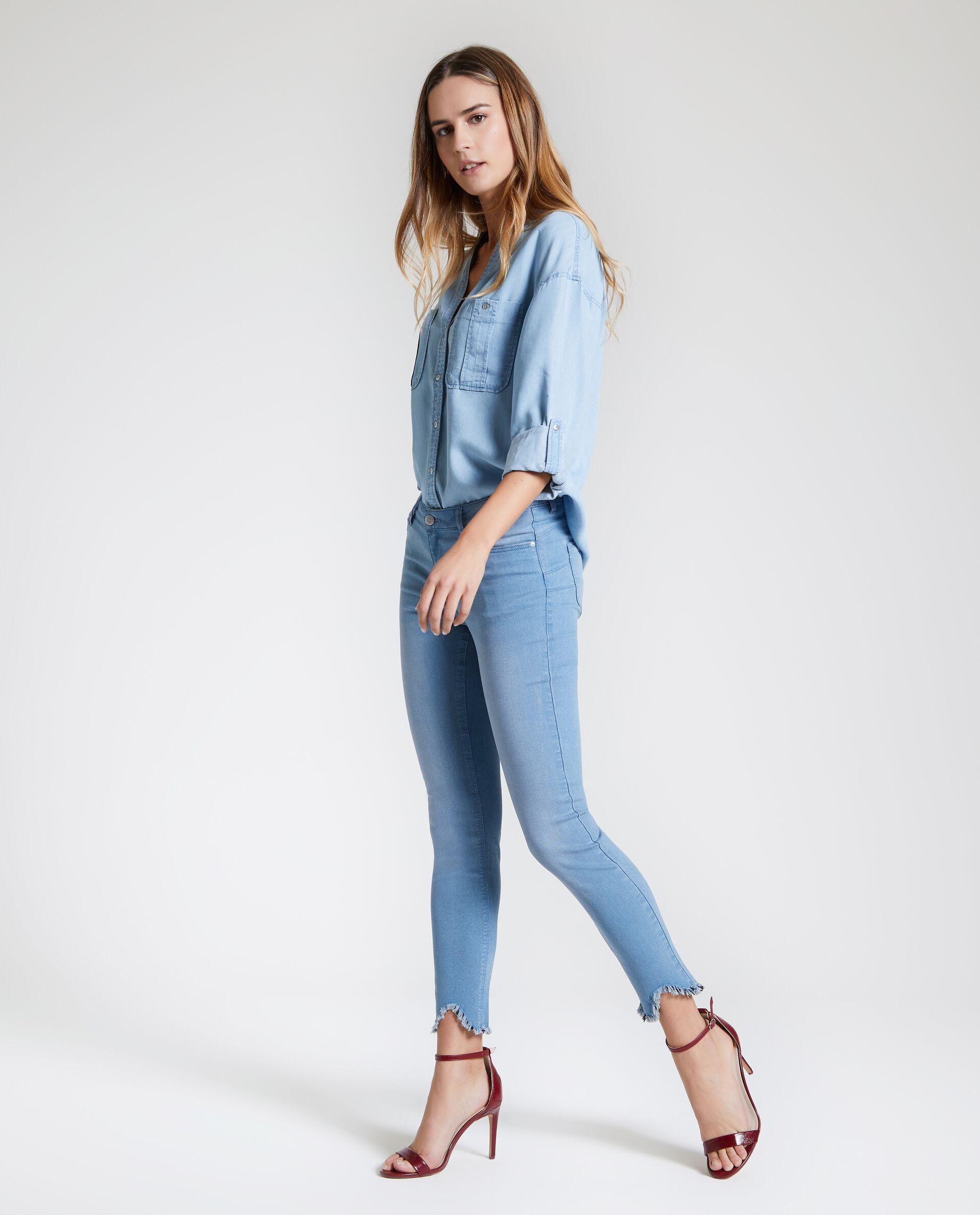 Jeans donna slim sfrangiati