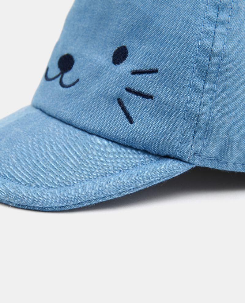 Cappellino con disegno in puro cotone neonato