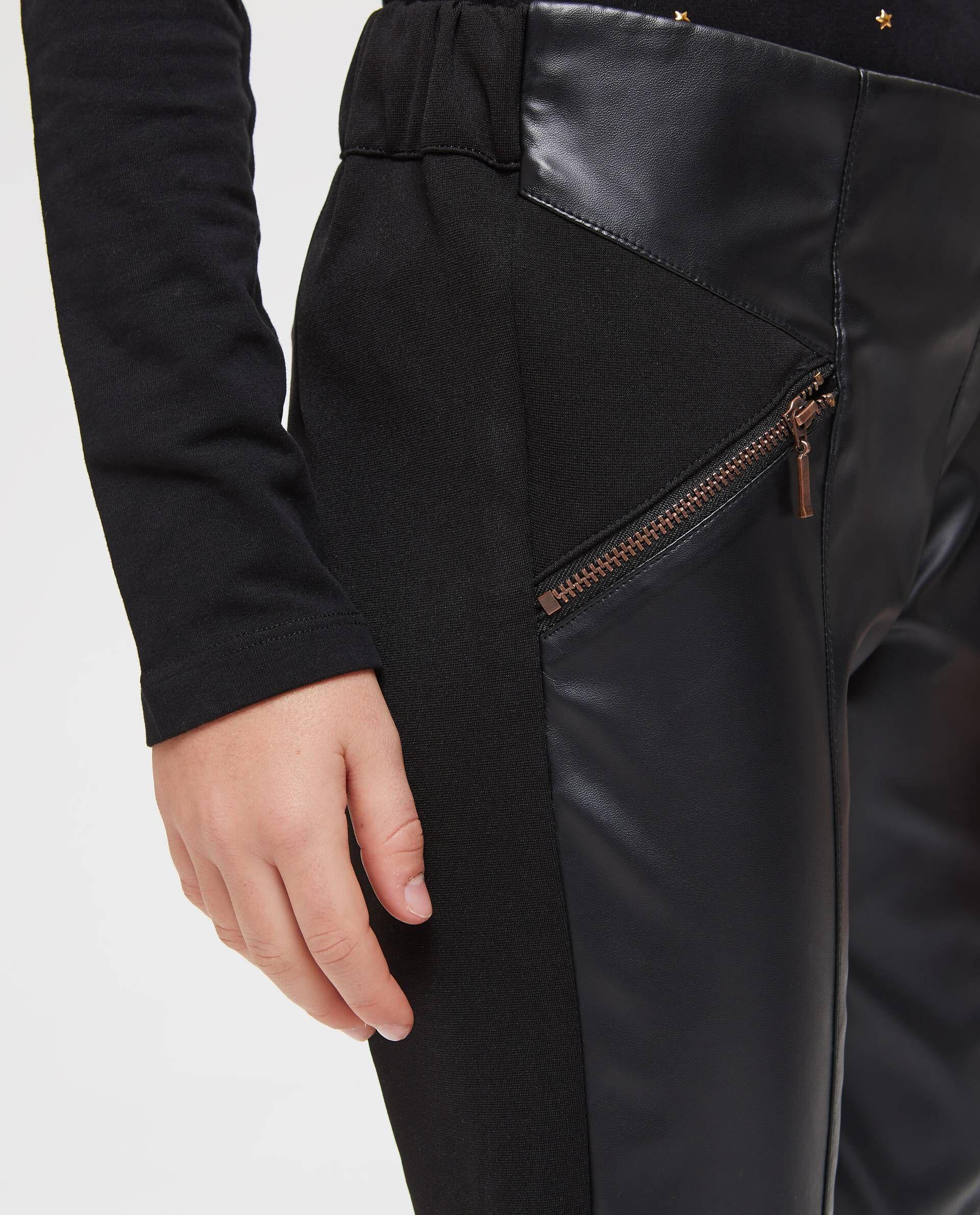 Pantaloni in similpelle con tasche