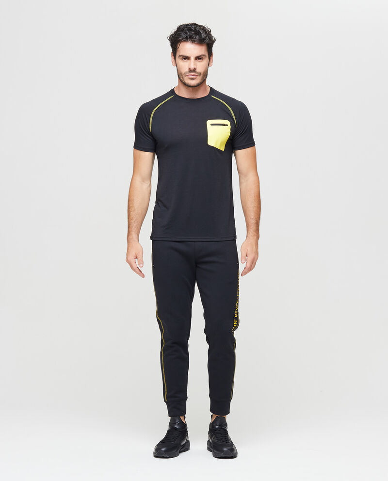 T-shirt sportiva stampata con taschino