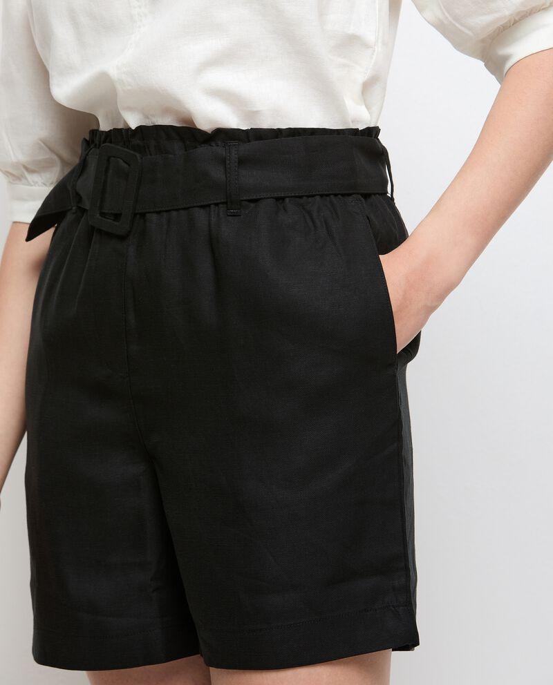 Shorts in tinta unita con fusciacca donna single tile 2