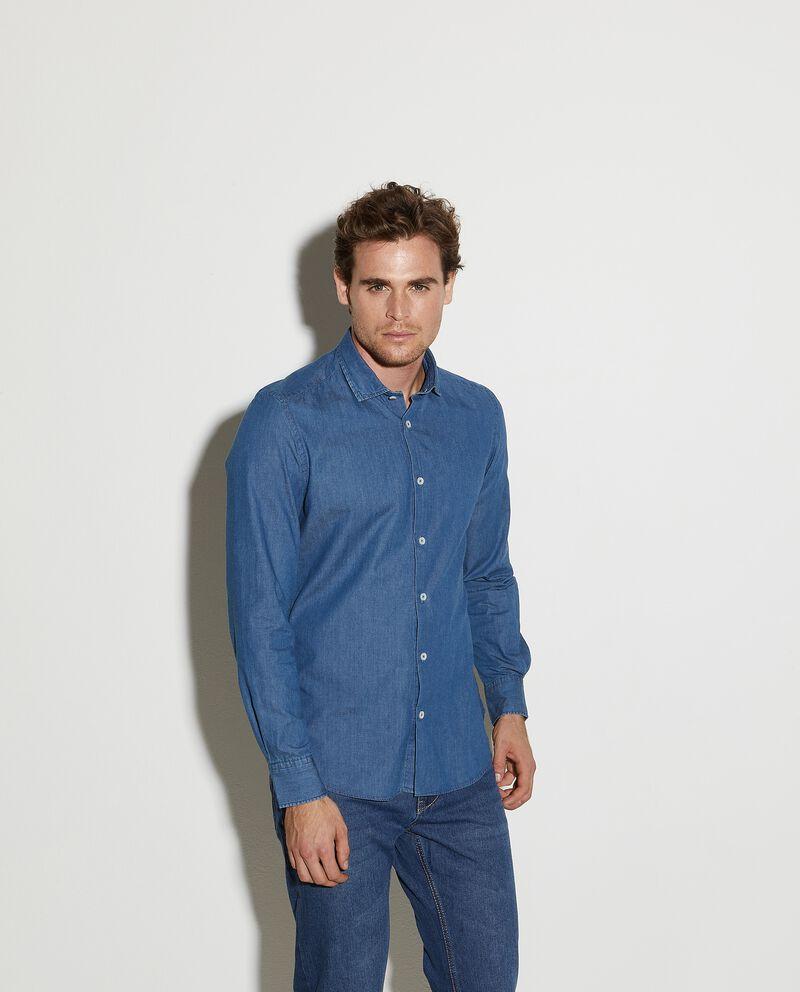 Camicia in denim puro cotone slim fit uomo cover