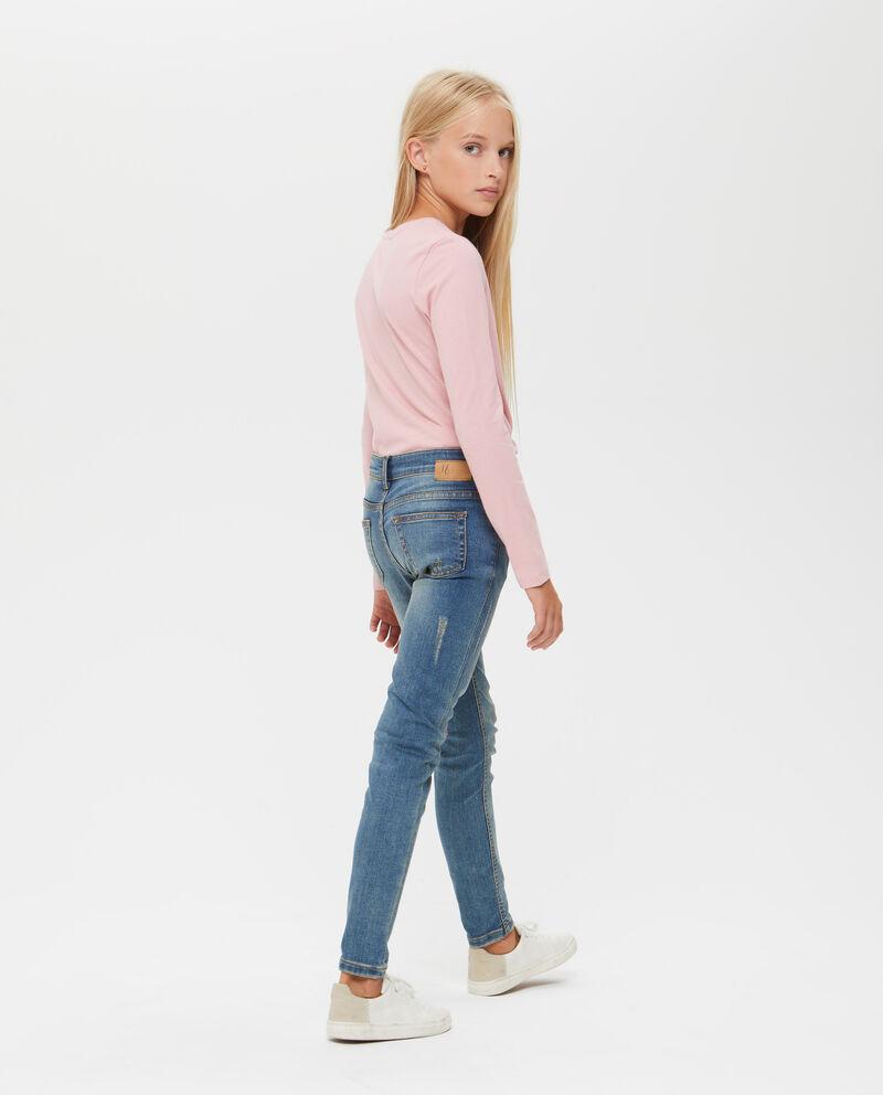 Jeans stretch con ricami e strass
