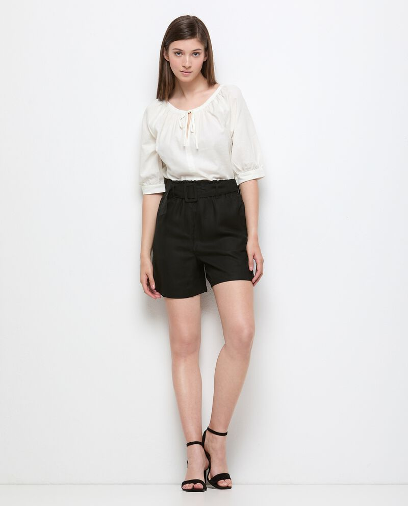 Shorts in tinta unita con fusciacca donna cover